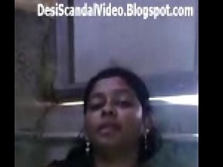 Sexy desi babe showing boobs n pussy to her BF DesiScandalVideo.Blogspot.com
